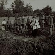 Funerali di un soldato al cimitero a Dornberk