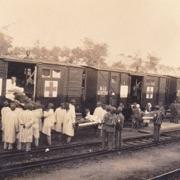 Treno per i soccorsi fermo alla stazione di Aurisina